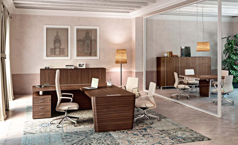 Foto courtesy Quadrifoglio Group Tavolo direzionale X10 e seduta direzionale Directa