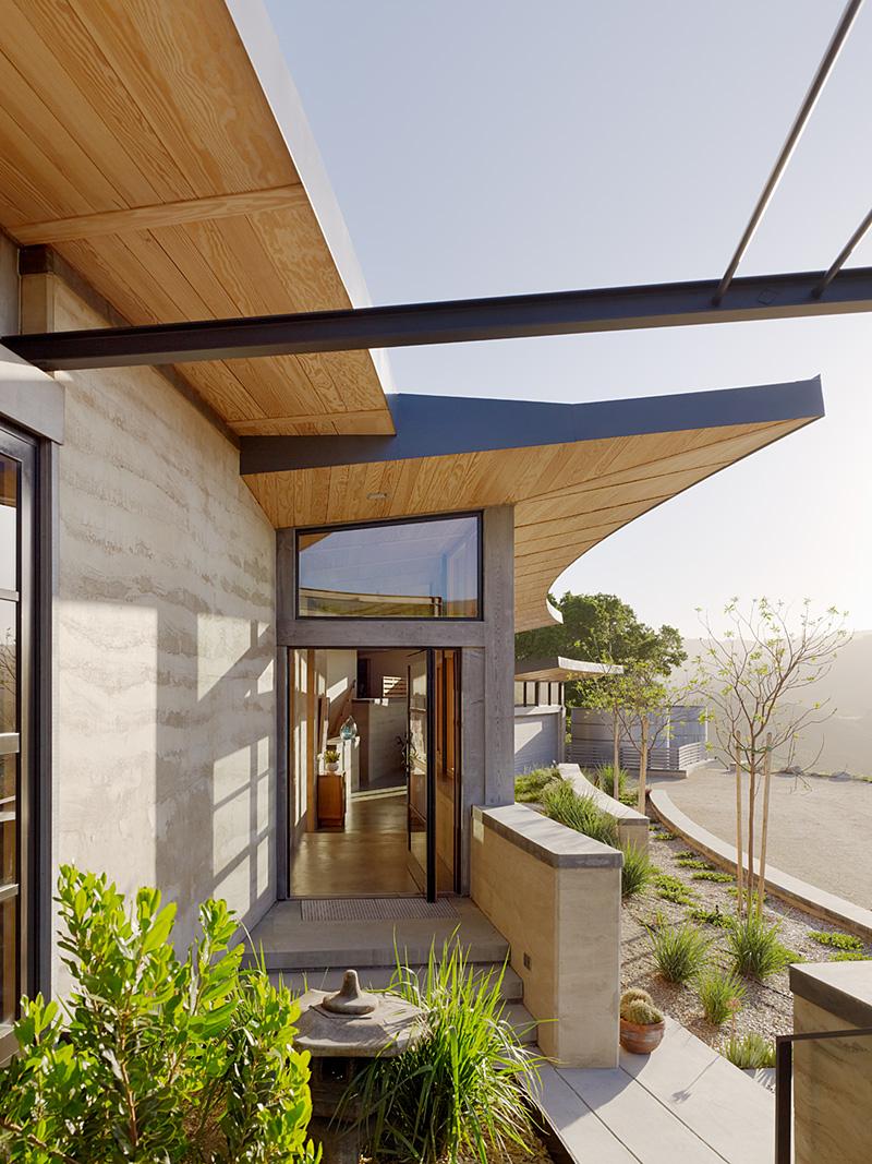 Netflix Malcolm & Marie - Caterpillar House - photo Joe Fletcher