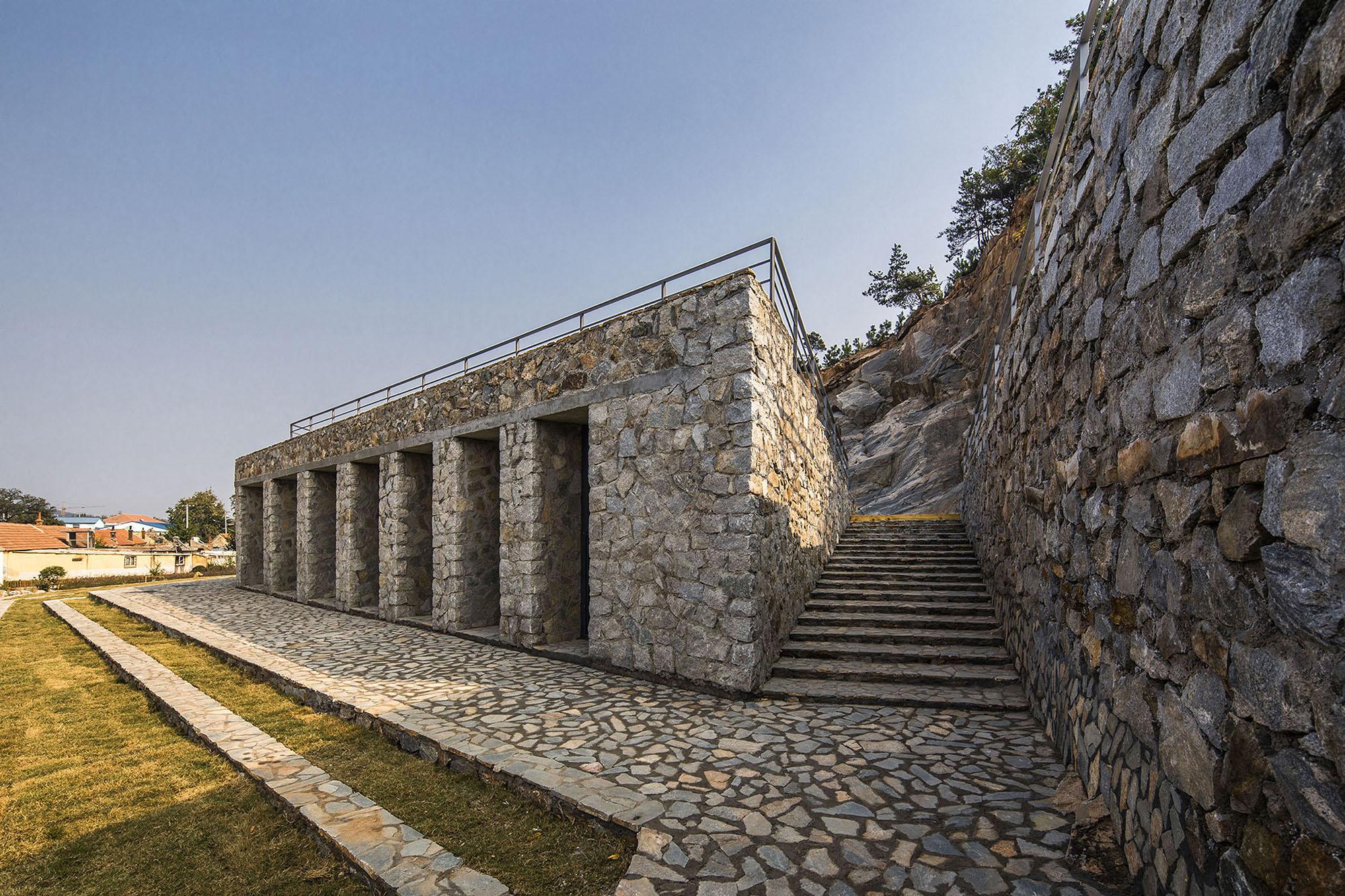 3andwich Design / He Wei Studio - Stone Nest Amphitheatre - Photo by JIN Weiqi