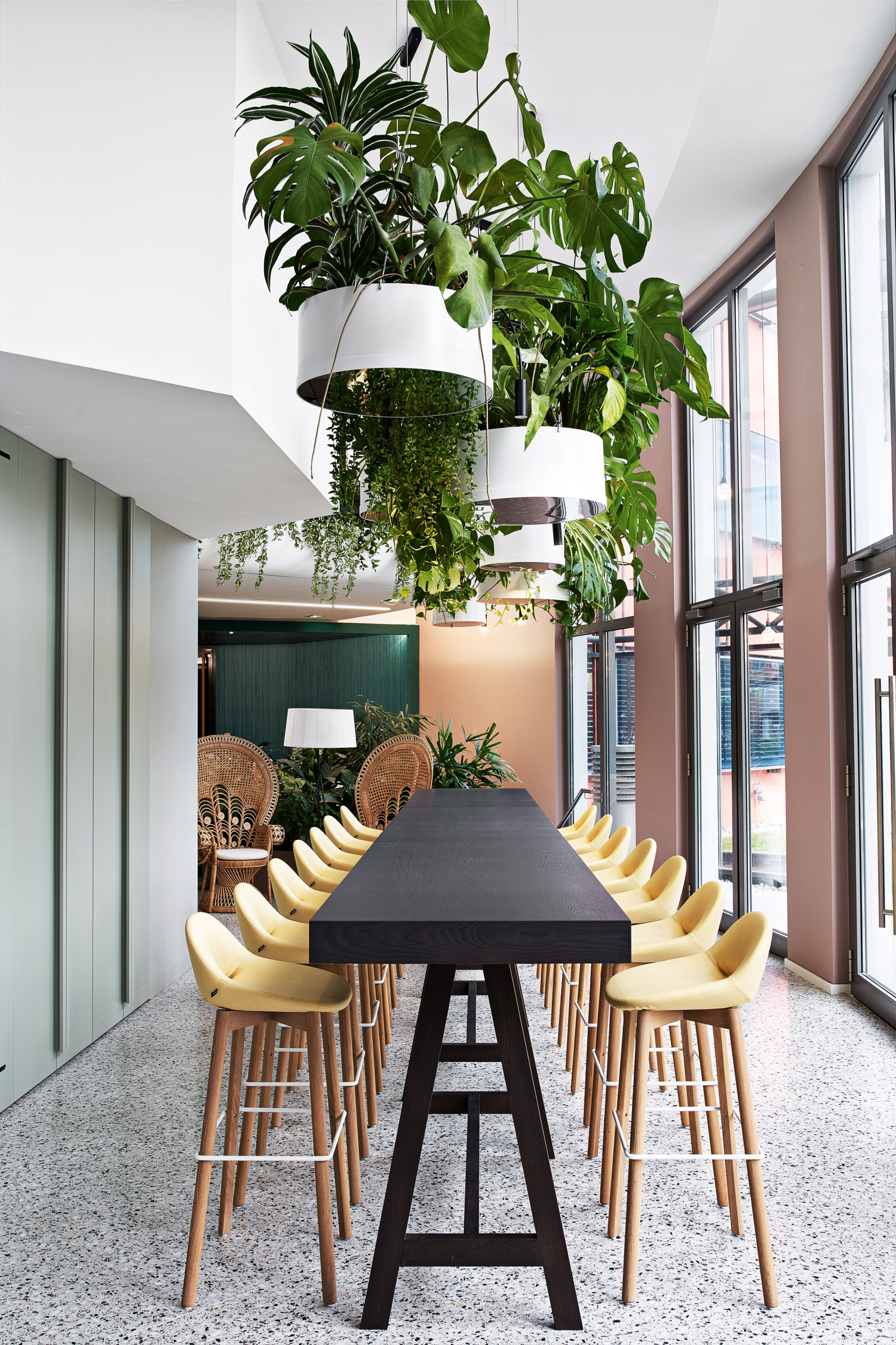 © Philip Kottlorz, courtesy Ippolito Fleitz Group The 2,100 green plants dotted around the environment improve air quality and mitigate room noise. They also help raise general levels of wellbeing, improving moods, reducing stress levels, increasing creativity and enhancing performance.