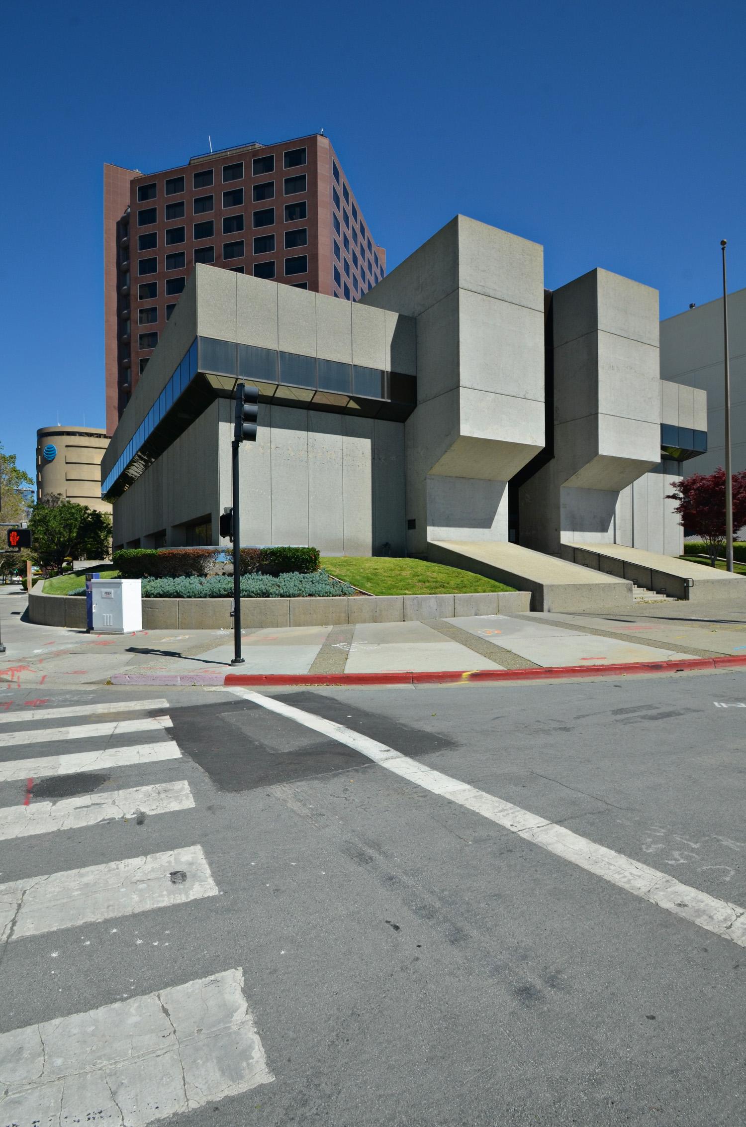 Bank of California, San Jose, CA, USA, 1973. Foto e courtesy Ben Leech / Preservation Action Council of San Jose
