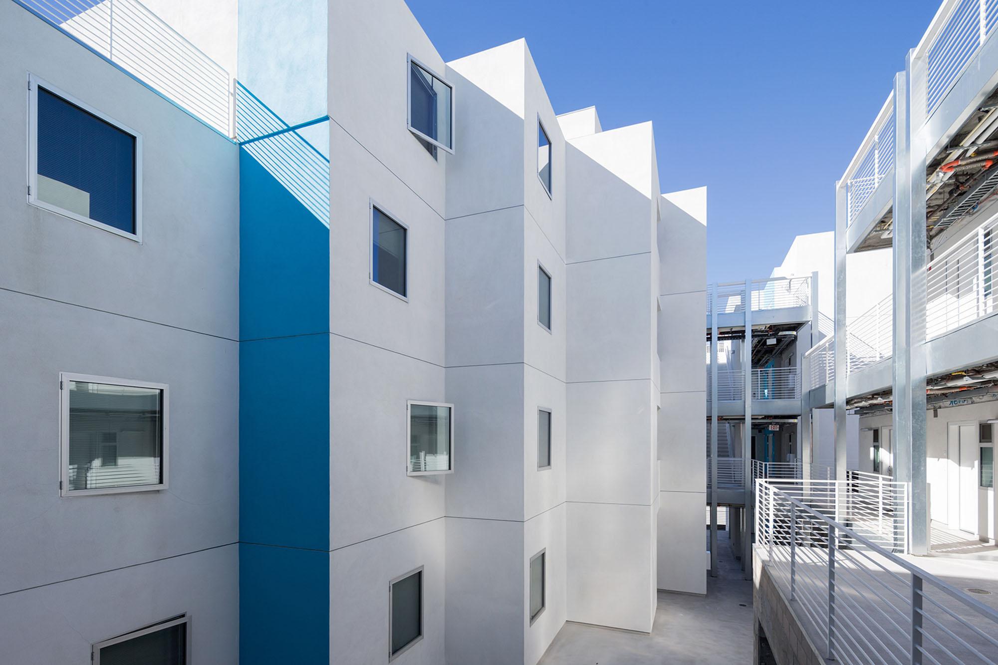 Star-Apartments_Iwan-Baan
