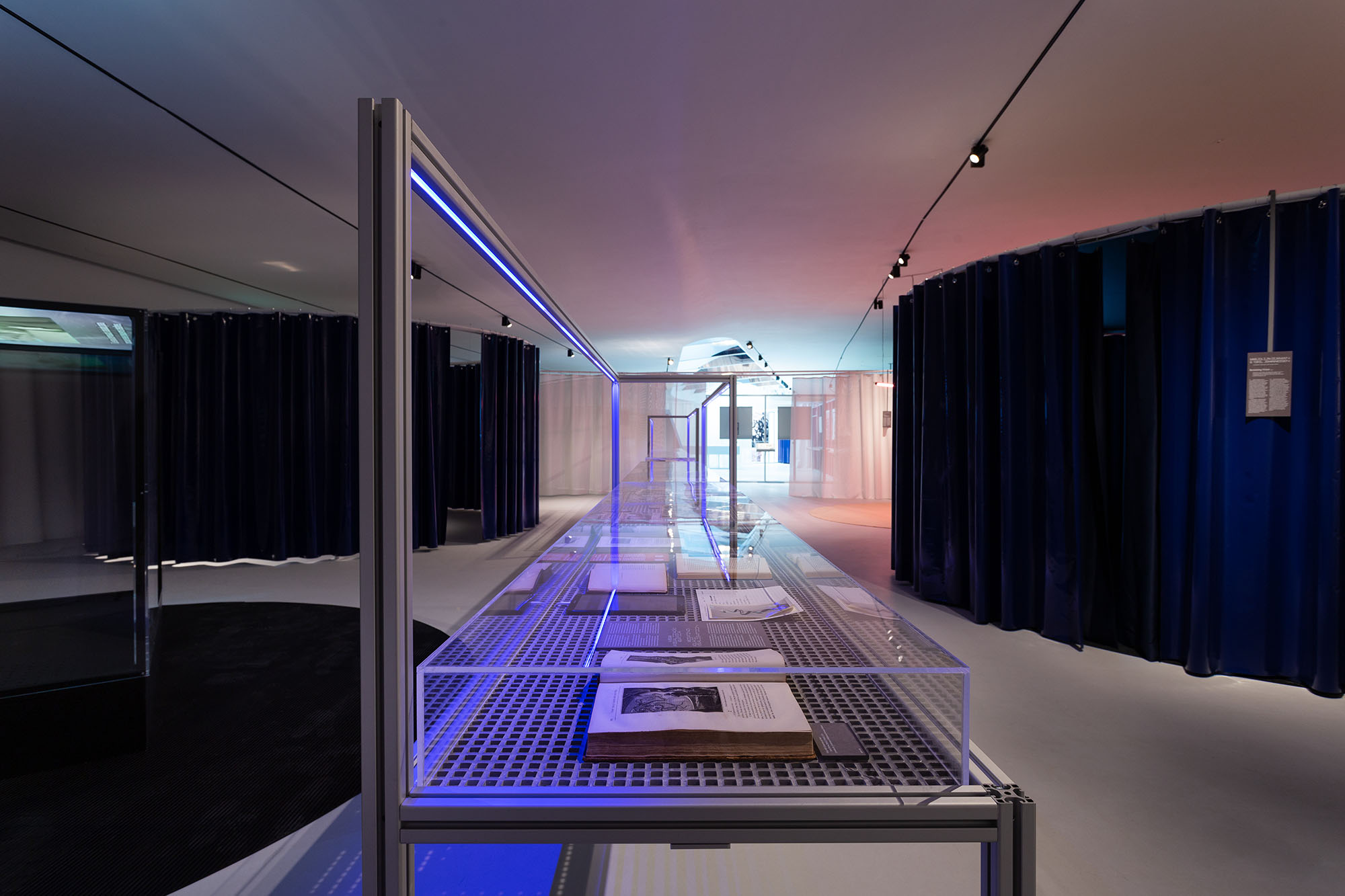 Aquaria – Or the Illusion of a Boxed Sea, exhibition view at maat – Museum of Art, Architecture and Technology (Lisbon), 2021 © Courtesy of EDP Foundation. Photography by Bruno Lopes.