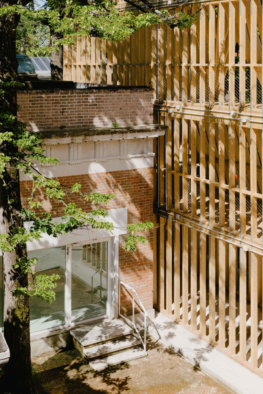Addition to the Pavilion of the United States. Courtesy the Pavilion of the United States at the 17th International Architecture Exhibition at La Biennale di Venezia.