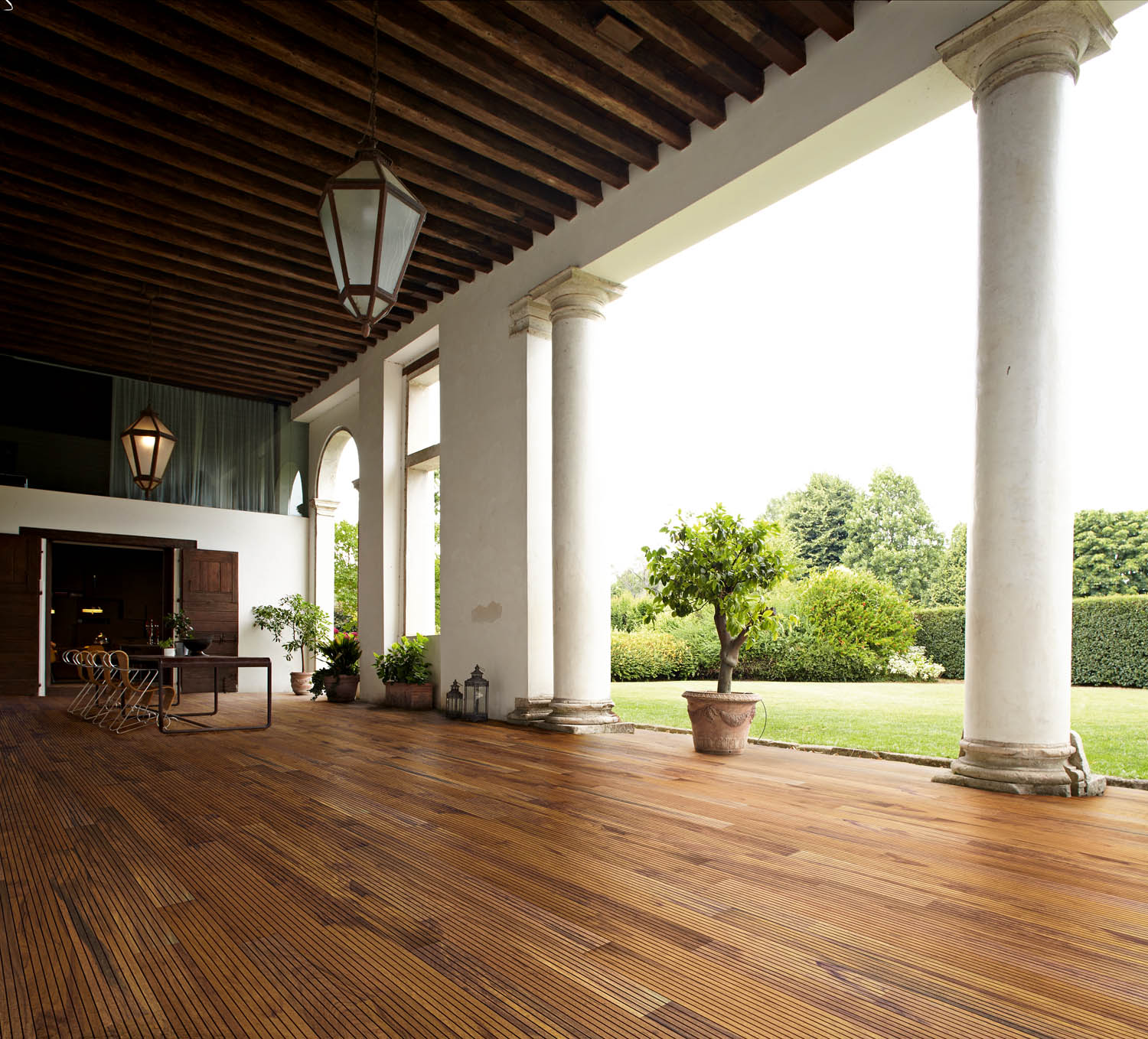 Courtesy of Listone Giordano Listone Giordano Marine, two-layer parquet in Teak with support layer in Beech