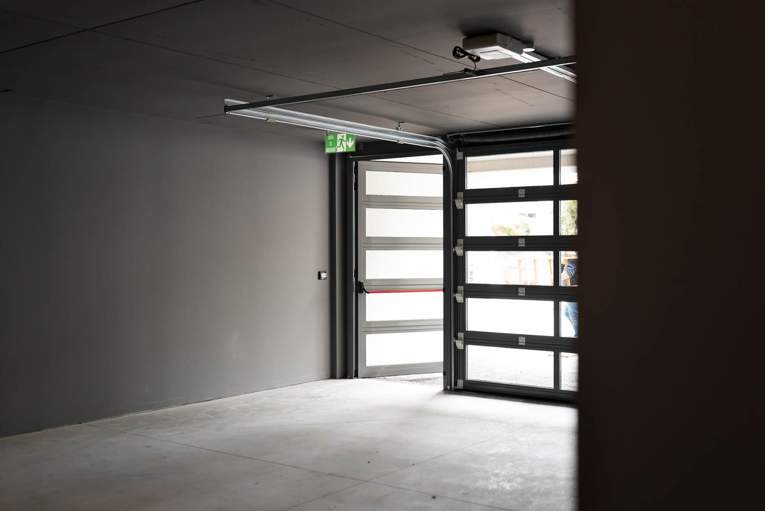© DueG Studio Fotografico, courtesy of Silvelox Automatic doors for access to the parking areas