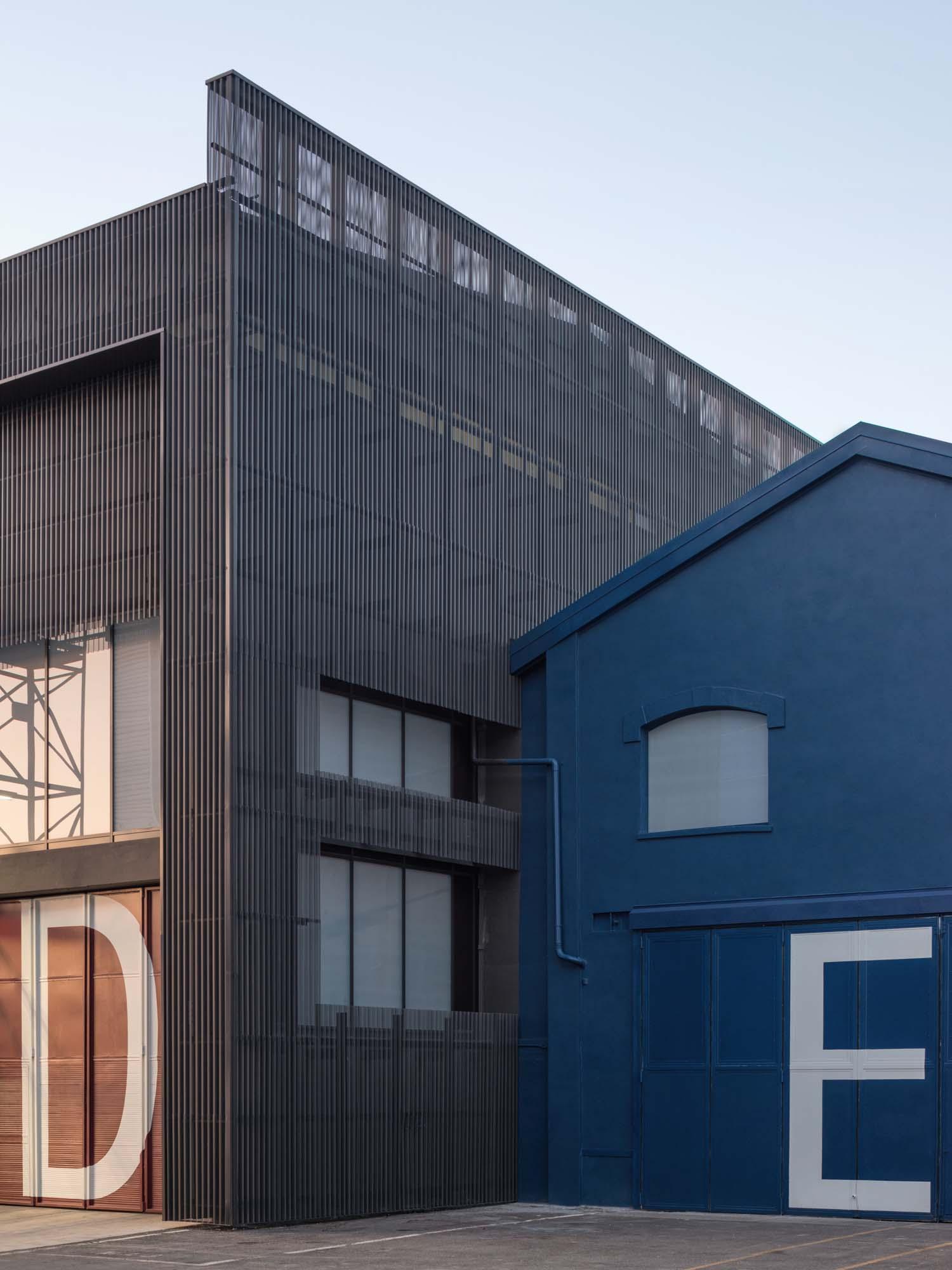 Sanlorenzo Headquarters - Lissoni Casal Ribeiro - photos by Simone Bossi