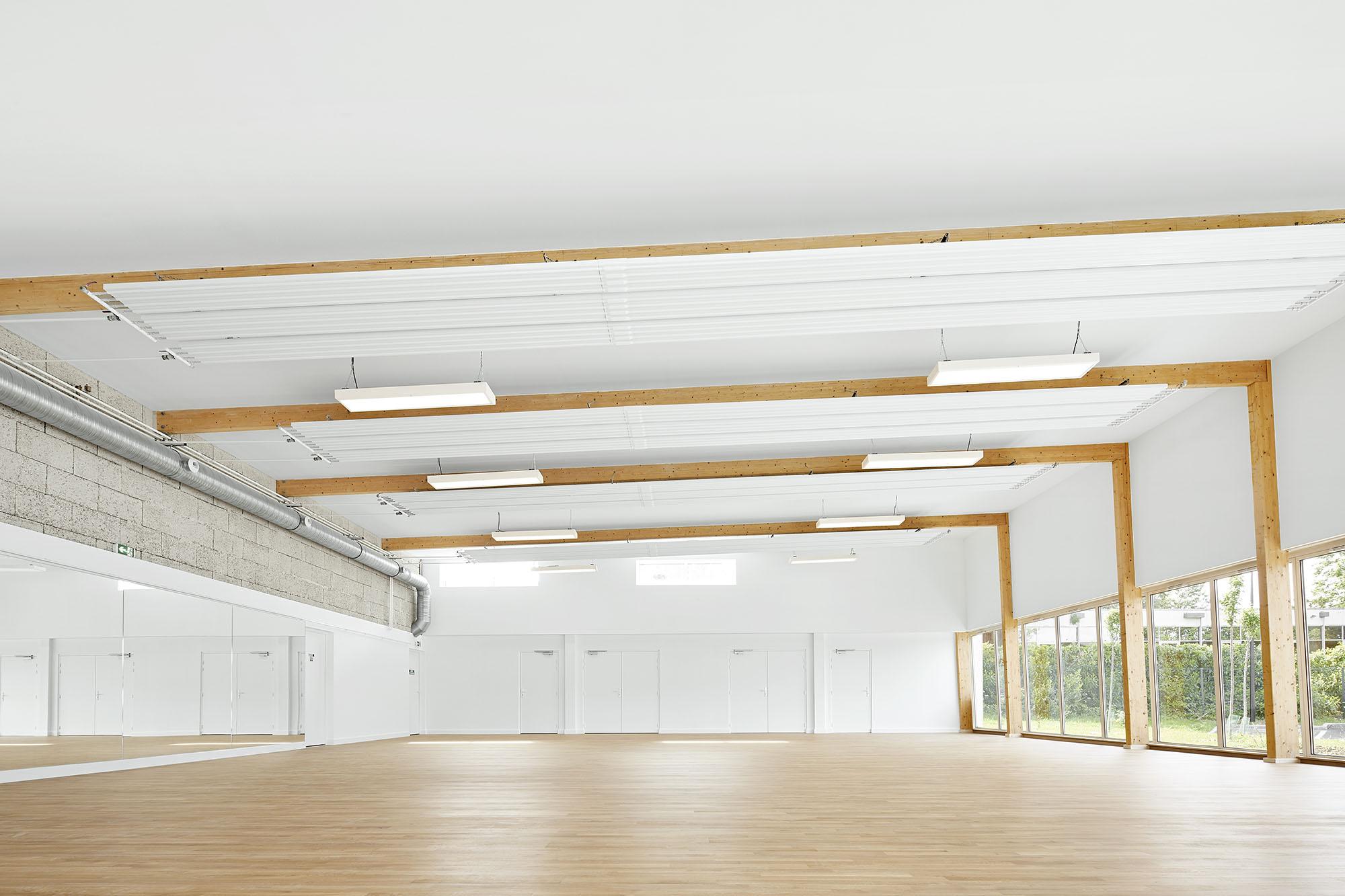 Pierre Chevet sports hall – lemoal lemoal architecture paysage - Photo by Elodie Dupuis