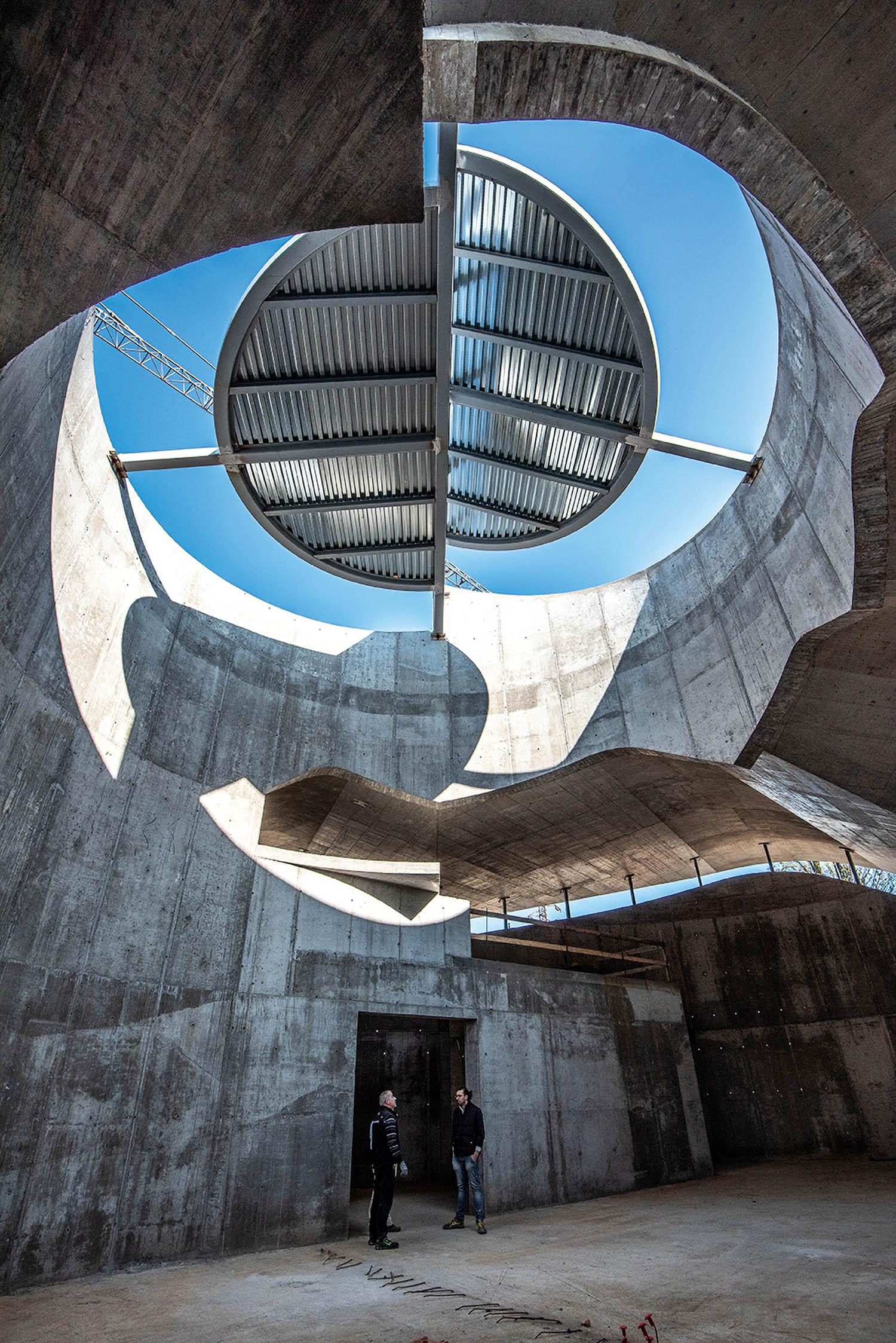 © Paolo Fassoli. Tutte le immagini courtesy Miralles Tagliabue EMBT Chiesa di San Giacomo, Ferrara, Italia, in fase di costruzione